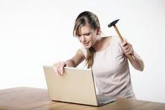 Jonge vrouw op het werk Stock Foto