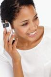 Jonge vrouw op telefoon Stock Fotografie