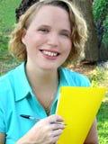 Jonge Vrouw in openlucht stock fotografie
