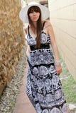 Jonge vrouw in openlucht Royalty-vrije Stock Afbeeldingen