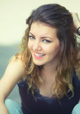 Jonge vrouw openlucht Royalty-vrije Stock Foto's