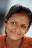 Jonge vrouw protrait in nationale kleren Stock Afbeeldingen