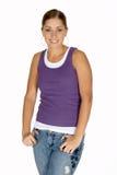 Jonge Vrouw in Purper Mouwloos onderhemd Royalty-vrije Stock Afbeeldingen
