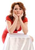 Jonge vrouw in rode kleding royalty-vrije stock afbeelding