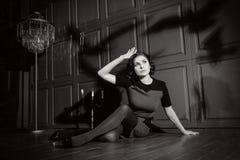 Jonge vrouw in verschrikkingsfilm Royalty-vrije Stock Fotografie