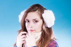 Jonge vrouw in wintertijd Royalty-vrije Stock Foto