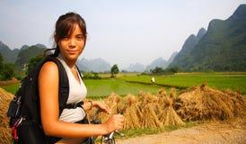 Jonge vrouw in Yangshuo Royalty-vrije Stock Foto's