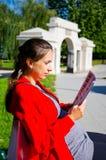 Jonge vrouw in Zamosc, Polen royalty-vrije stock fotografie