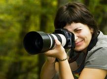 Jonge vrouwelijke fotograaf royalty-vrije stock foto's