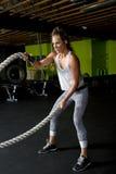 Jonge Vrouwelijke Geschiktheidsinstructeur Trainer Stock Afbeelding