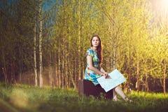 Jonge vrouwelijke reiziger Stock Afbeeldingen