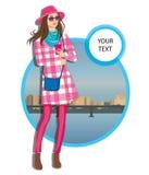 Jonge vrouwen in een hoeden vrijetijdskleding op stadsachtergrond Royalty-vrije Stock Fotografie