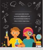 Jonge wetenschapper - onderwijs, onderzoek en school Stock Fotografie
