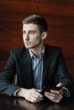Jonge zakenman met tablet Royalty-vrije Stock Afbeelding