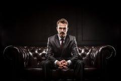 Jonge zekere zakenman Royalty-vrije Stock Afbeelding