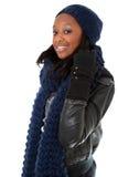 Jonge zwarte die de winterkleding draagt Royalty-vrije Stock Afbeeldingen