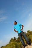 Jonge Zwarte Mens die zich lang bevindt Royalty-vrije Stock Foto