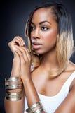 Jonge zwarte schoonheid met perfecte huid Royalty-vrije Stock Afbeelding