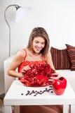 Jongelui, schoonheidsmeisje met rozen Stock Fotografie