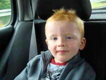 Jongen in auto Royalty-vrije Stock Fotografie