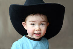Jongen in de Hoed van de Cowboy Royalty-vrije Stock Afbeeldingen