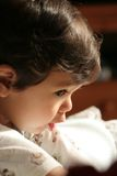 Jongen die van de baby de stil speelt   royalty-vrije stock afbeeldingen