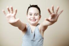 Jongen die zijn veranderende tanden tonen Stock Fotografie