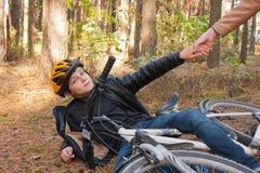 Jongen en fiets Royalty-vrije Stock Afbeeldingen