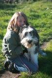Jongen en hond stock fotografie