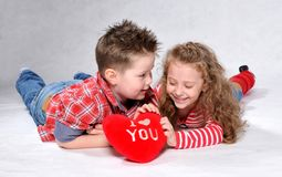 Jongen en meisje Stock Foto's