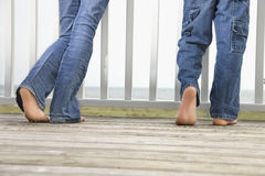 Jongen en Meisje bij het Strand stock foto