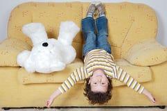Jongen en teddybeer Stock Foto