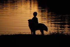 Jongen en Zijn Hond Stock Fotografie