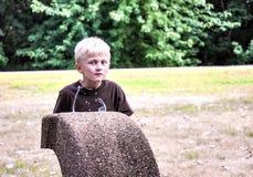 Jongen het drinken van fontein Royalty-vrije Stock Foto