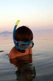 Jongen in het duiken masker Stock Foto's