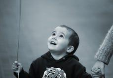 Jongen met baloonstrook Royalty-vrije Stock Foto's