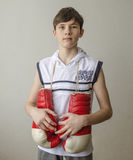 Jongen met bokshandschoenen Royalty-vrije Stock Foto