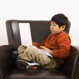 Jongen met computer Royalty-vrije Stock Foto