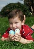 Jongen met eieren 11 Stock Foto's