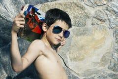 Jongen met skateboard royalty-vrije stock afbeeldingen
