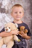 Jongen met speelgoed Royalty-vrije Stock Afbeeldingen
