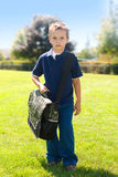 Jongen om naar school te gaan Stock Fotografie