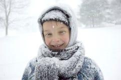 Jongen op de Sneeuw Royalty-vrije Stock Afbeeldingen