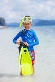 Jongen op het strand royalty-vrije stock fotografie
