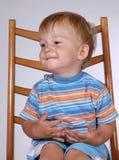Jongen op stoel Royalty-vrije Stock Foto's