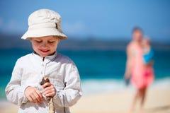 Jongen op vakantie stock foto's