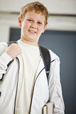 Jongen op zijn manier aan klasse Stock Foto's