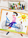 Jongens berijdende fiets Royalty-vrije Stock Foto's