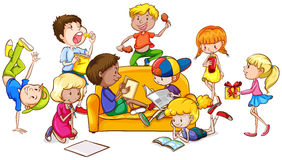 Jongens en meisjes die verschillende activiteiten doen Stock Afbeelding