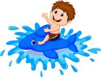 Jongensbeeldverhaal het spelen met zwemmend stuk speelgoed Royalty-vrije Stock Fotografie